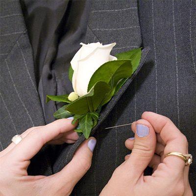 phụ ;iệu ngành may - phụ kiện hoa lụa gài áo